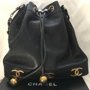 Handbags - Vintage CC Drawstring Bucket Bag Caviar Medium